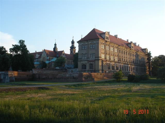 Piękny pałac w Lubiążu