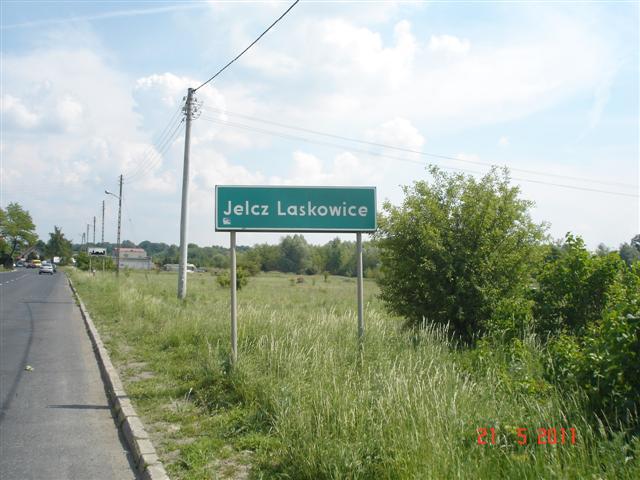 Wjazd do Jelcza-Laskowic