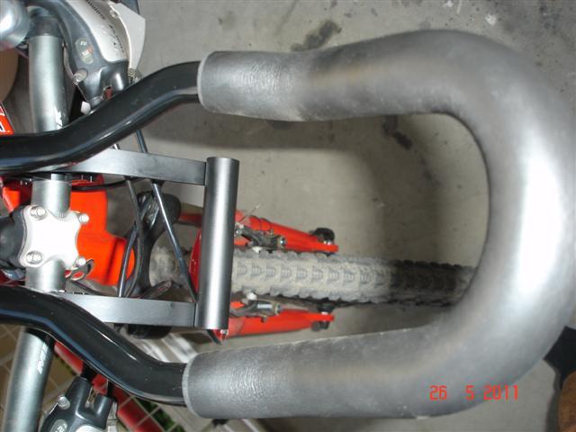 """Po pomalowaniu i zamontowaniu do kierownicy i """"lemondki"""" (4)"""