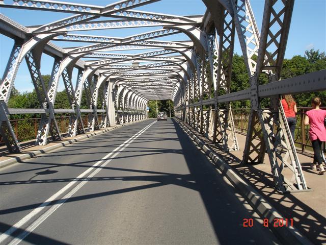 Most przez Odrę w Brzegu
