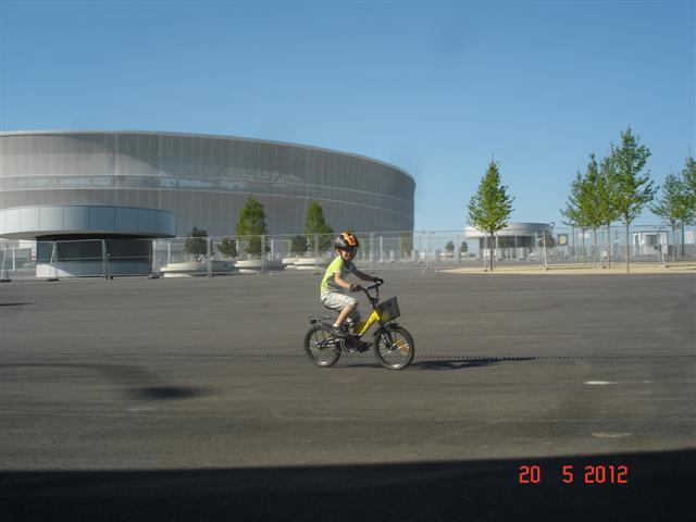 Rajdy przed stadionem :)