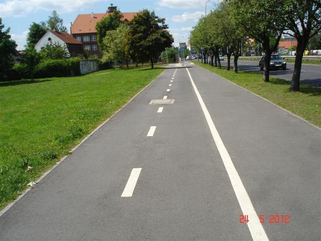 Świeżki rowerowe w Legnicy, jak małe autostrady. Jestem pod wrażeniem :)