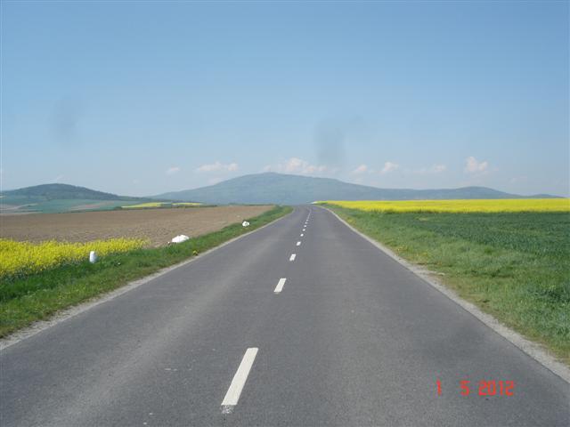 Droga w kierunku Sobótki