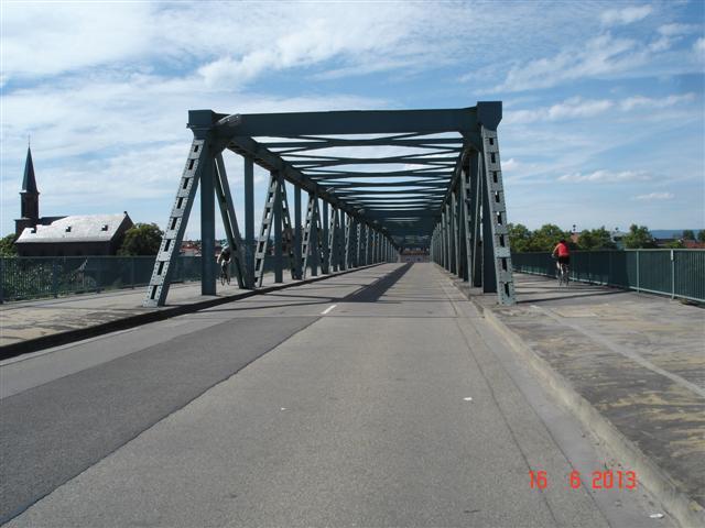 Most przez Ren Wiesbaden