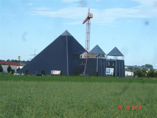 Kosmiczny dom - okolice Mainz