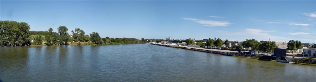 Panorama Renu w Wiesbaden. Kliknij, aby wyświetlić panoramę.